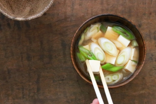 豆腐と長ネギのお味噌汁