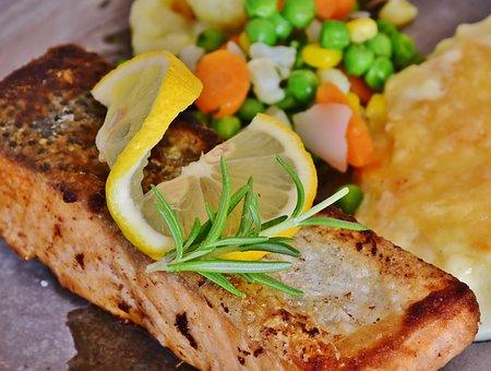 鮭のレモン焼き